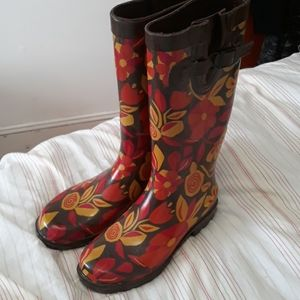 Capelli rain boots size 6 brown with flowers